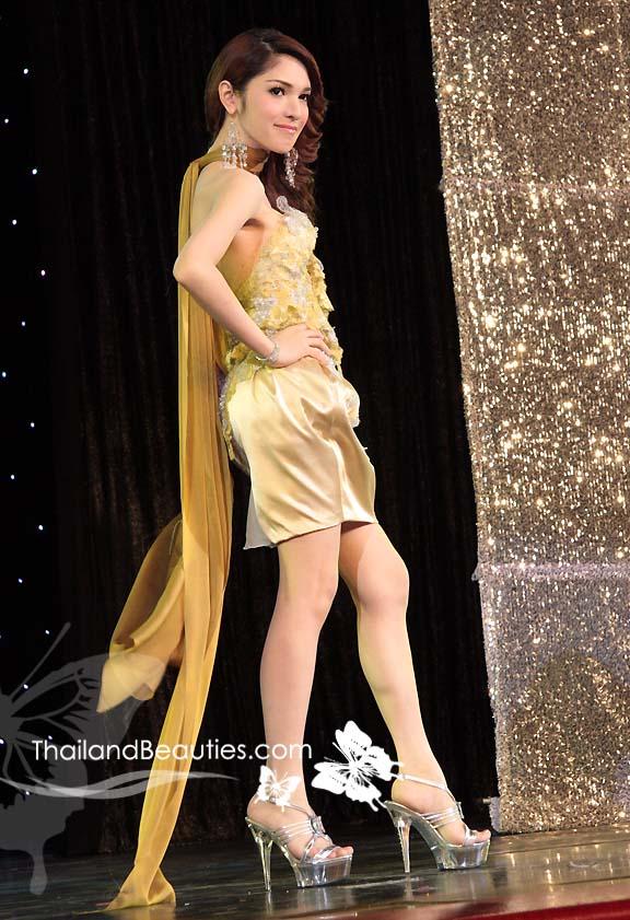 เอมี่ สมัยตอนประกวด Miss Tiffany 2009 รุ่นเดียวกับแจ๊ส